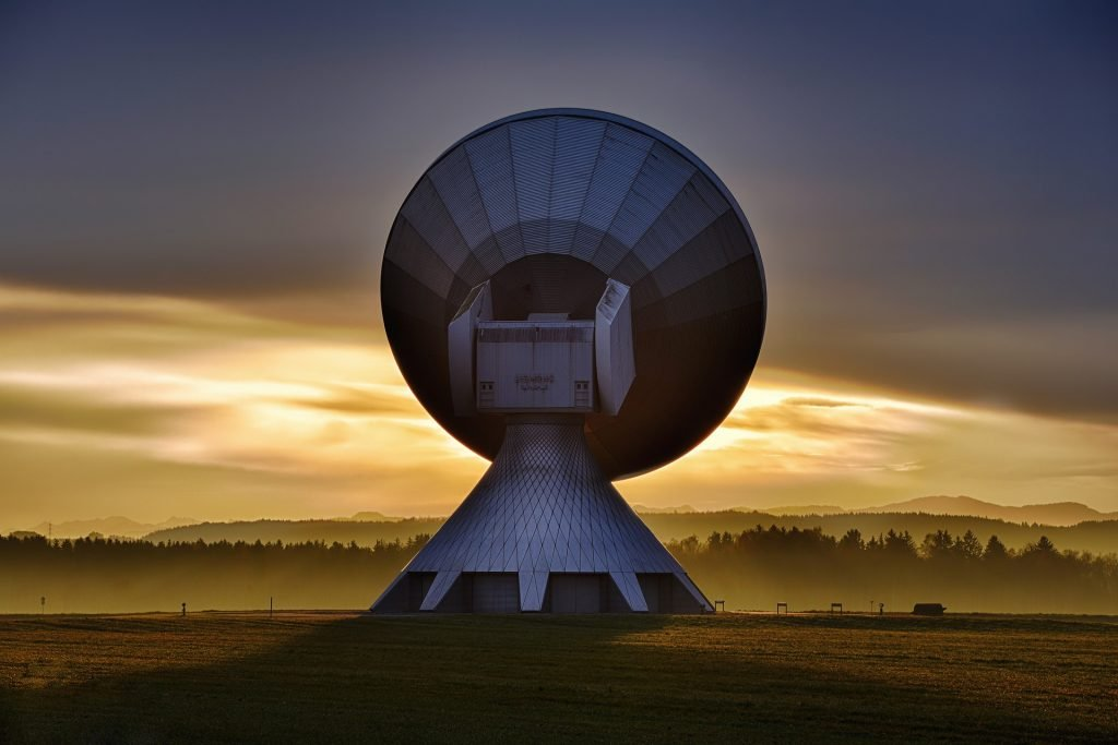 montaż anten Zakręt